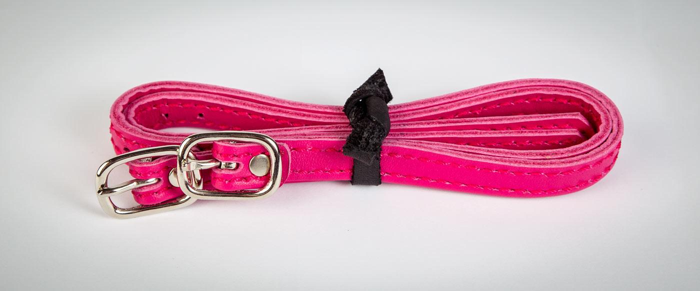 """Sporenriemen in deinen Farben! Hier: Leder """"Passion"""", Naht """"Pink""""."""